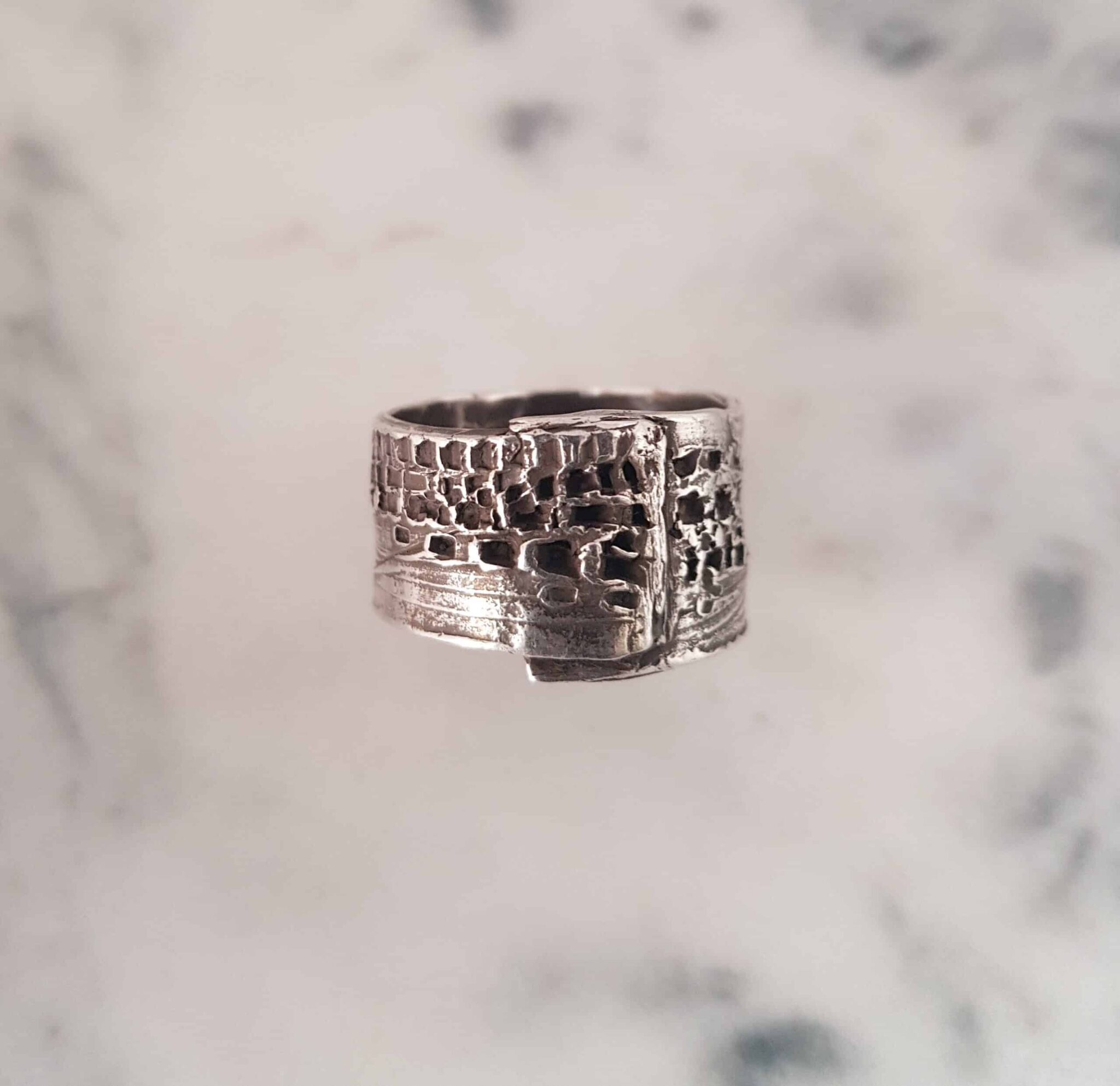 Simple Wrapped Texture Ring Size R By Corinne Lomon