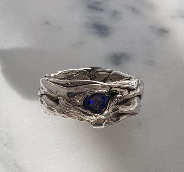 small-crumple-ring-with-lab-sapphire-size-p-185-corinne-lomon-29493-corinnelomon