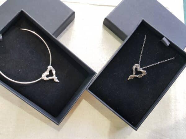 oxidized-twisted-silver-heart-pendant-by-corinne-lomon-46337-corinnelomon