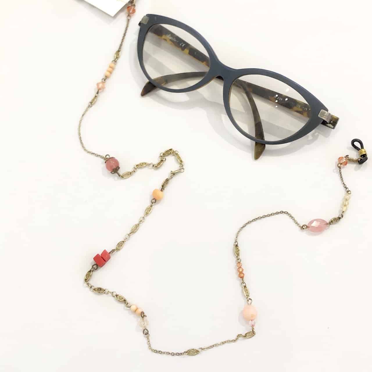 glasses-chain-with-repurposed-vintage-beads-by-my-vintage-obsession-198276-myvintageobsession2020