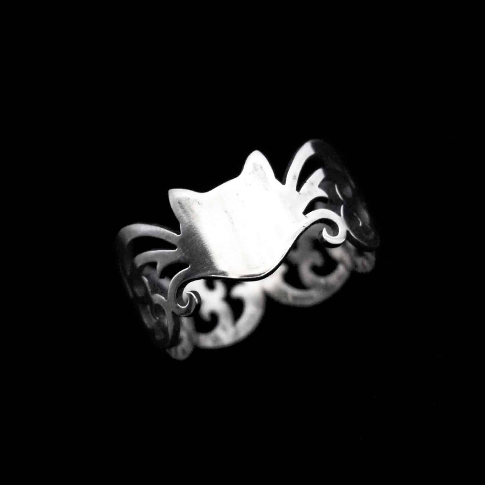 Wandering Whiskers – Silver Cat Ring By Skadi Jewellery Design