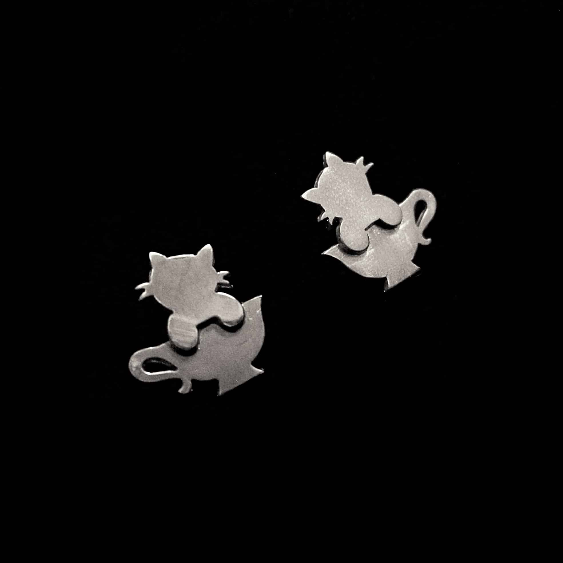 Tea Cat – Silver Stud Earrings By Skadi Jewellery Design