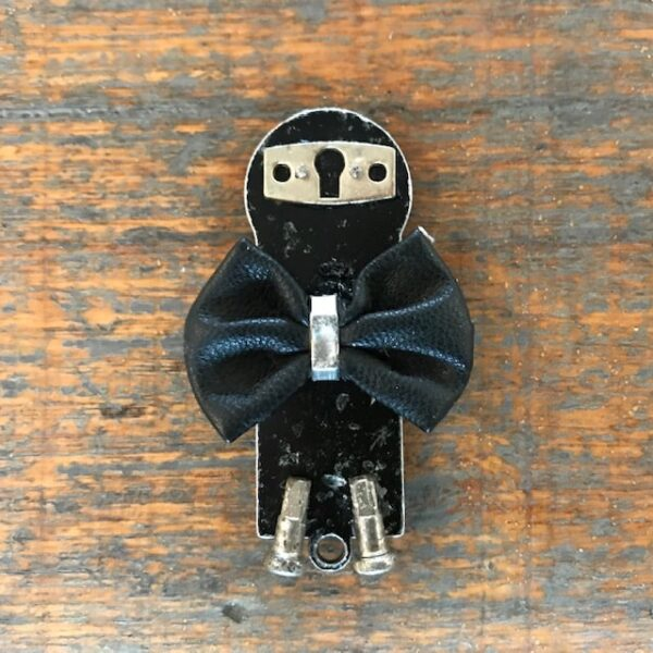 the-little-penguin-brooch-by-nancydee-sculptures-by-nancylane