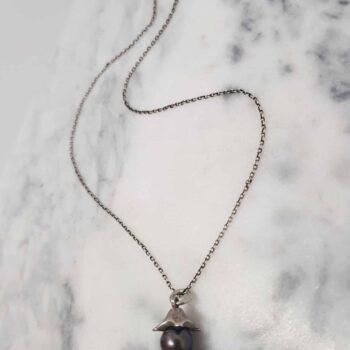handmade-silver-split-bead-pendant-with-fresh-water-black-pearl--corinnelomon