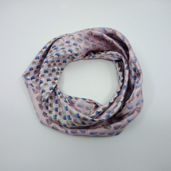 pastel-pink-silk-infinity-scarf-by-judith-scott-upcycling-by-judithscott