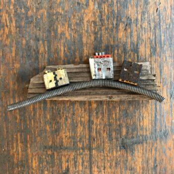 stickybeaking-robots-handmade-brooch-by-nancydee-sculptures-by-nancylane