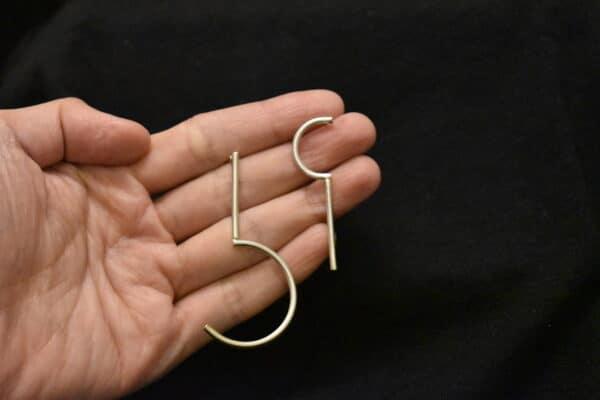question-mark-man6hou6-earrings-by-doramenda-by-doramenda