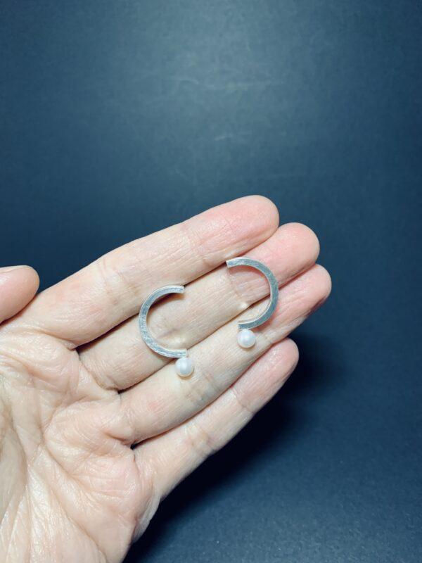 new-question-mark-earrings-by-doramenda-by-doramenda