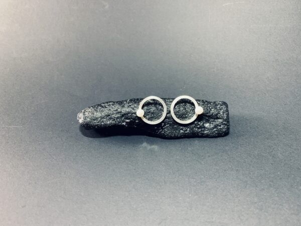 square-doughnut-earrings-by-doramenda-by-doramenda