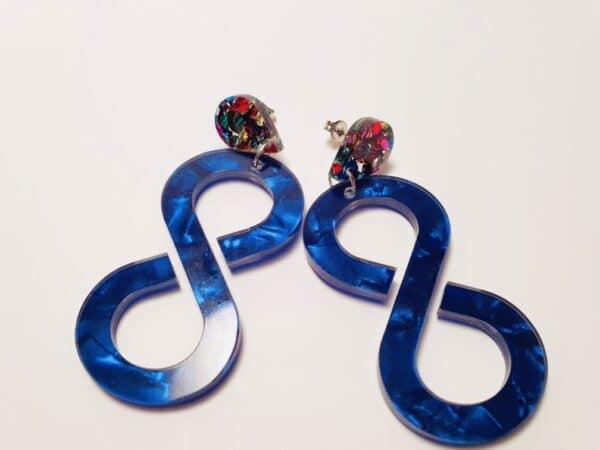 infinity-acrylic-statement-earrings-cobalt-blue-by-kate-amp-rose-by-katenrosetea