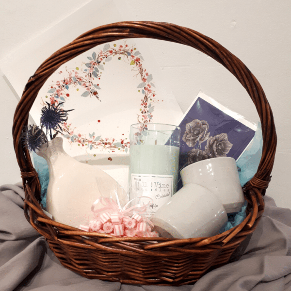 Engagement gift pack