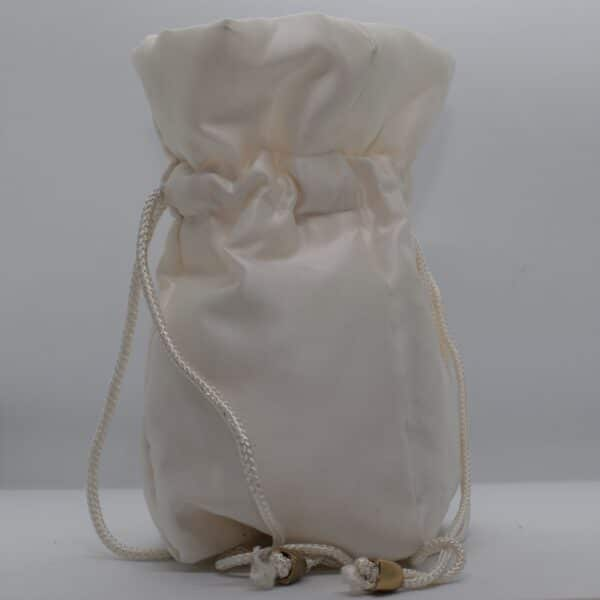 ivory-silk-dilly-bag-by-helen-macqueen-textile-art-by-Msjayjay