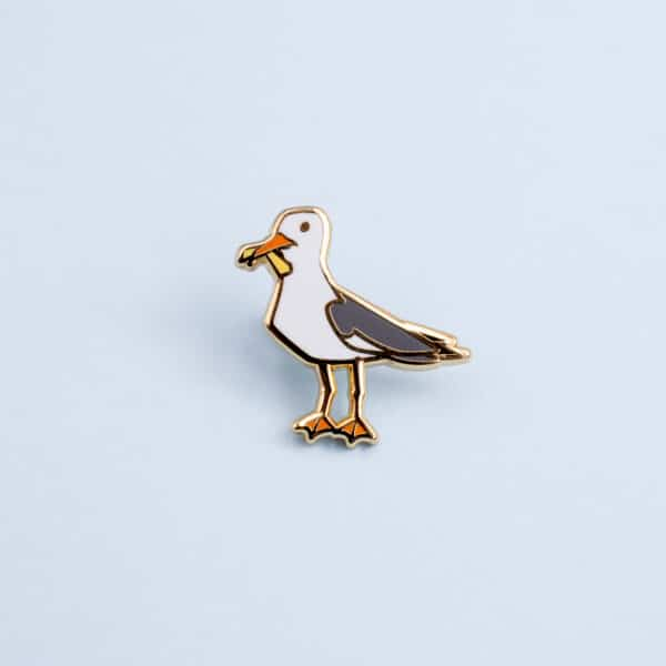 seagull-with-chip-mini-pin-by-oh-jessica-jessica-by-ohjessica