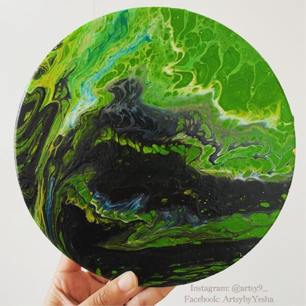 green-roundby-artsy-by-yeshapatel