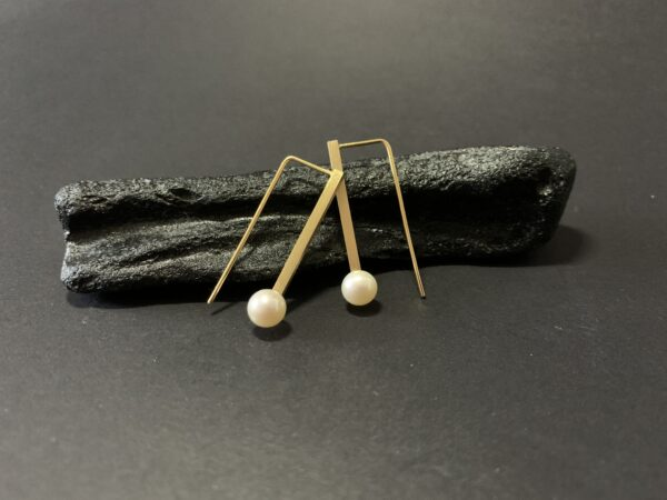 pearl-i-hook-earrings-1-by-doramenda-by-doramenda