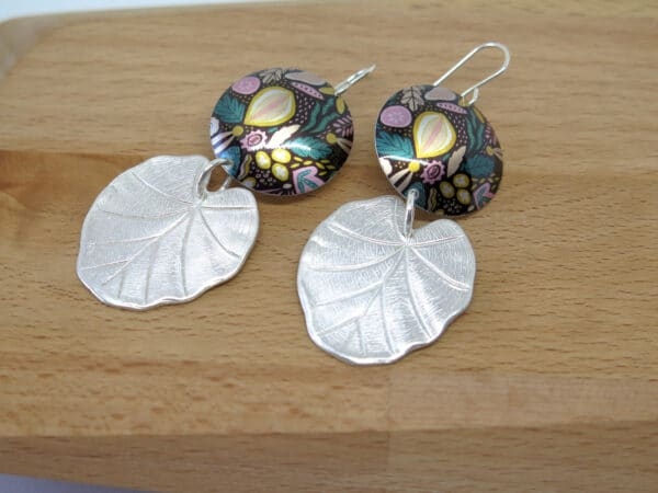 retro-flower-dye-sublimation-earrings-by-germanoarts-by-Germano Arts