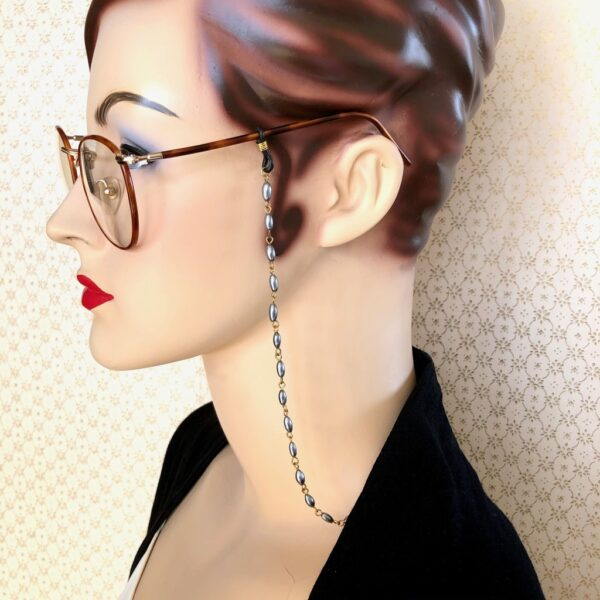 vintage-grey-bead-glasses-chain-by-my-vintage-obsession myvintageobsession2020 965539
