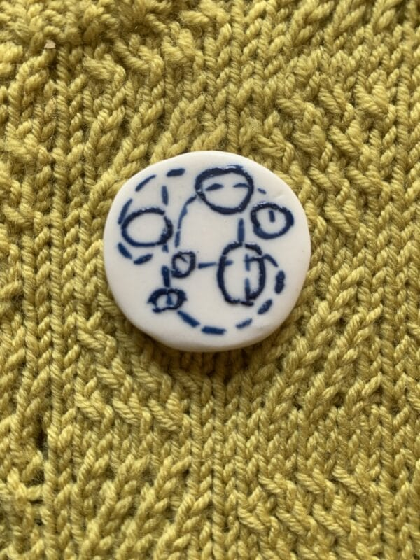 funky-60s-blue-amp-white-porcelain-brooch-by-the-intrepid-potter-by-theintrepidpotter