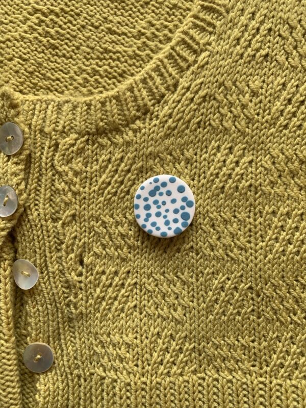blue-green-spotty-porcelain-brooch-by-the-intrepid-potter-by-theintrepidpotter