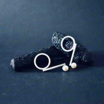99-pearl-earrings-by-doramenda