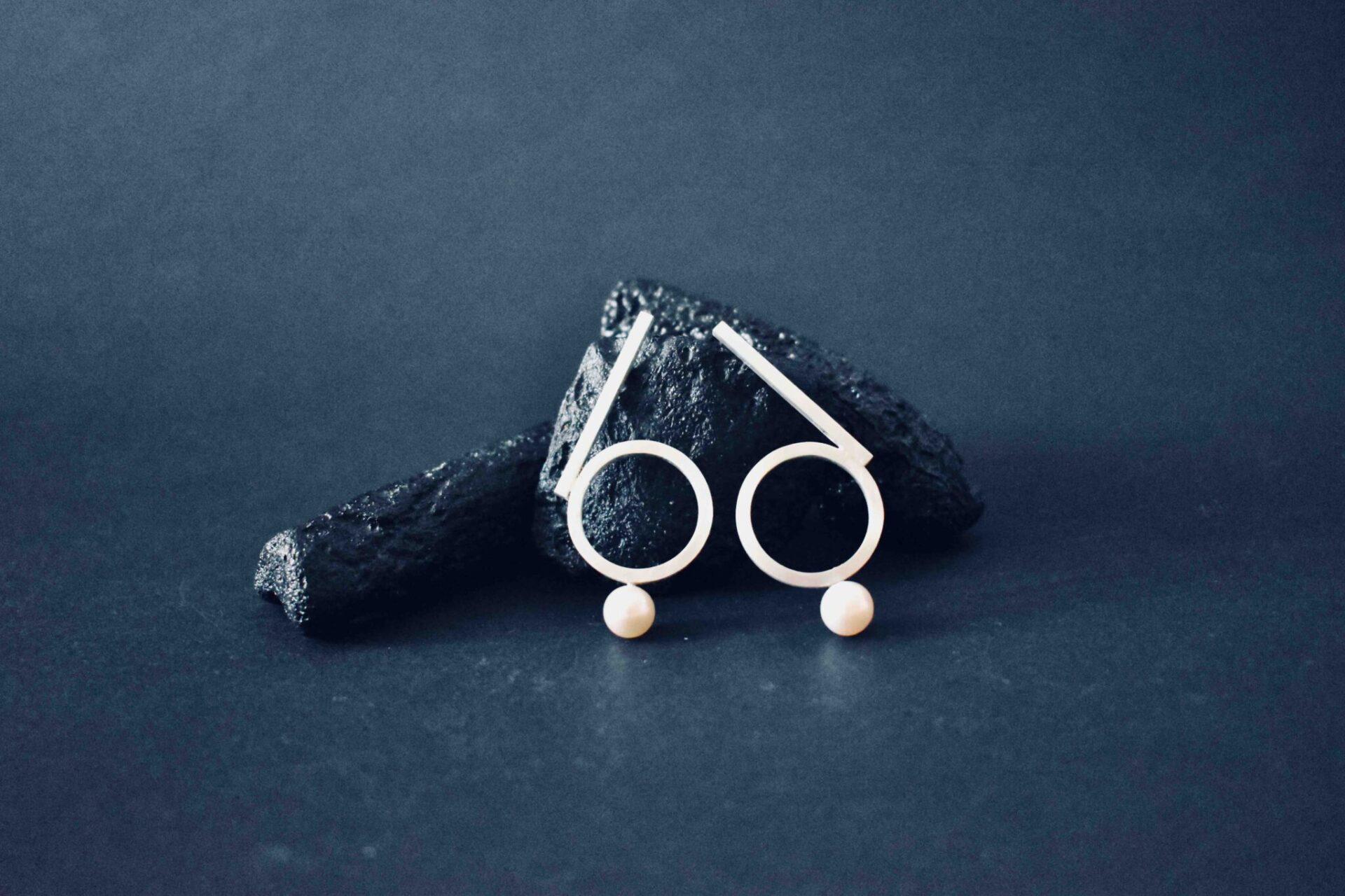 66 Pearl Earrings By Doramenda