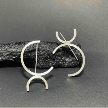 hook-earrings-by-doramenda