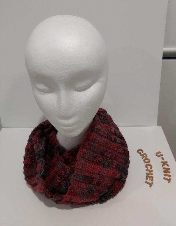 redblack-cowl-handmade-by-u-knit-crochet-by-Ivy