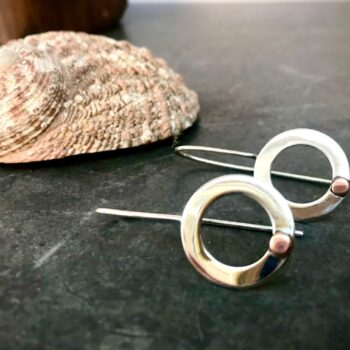 sterling-silver-and-pearl-hoop-earrings-by-thesilvergoose