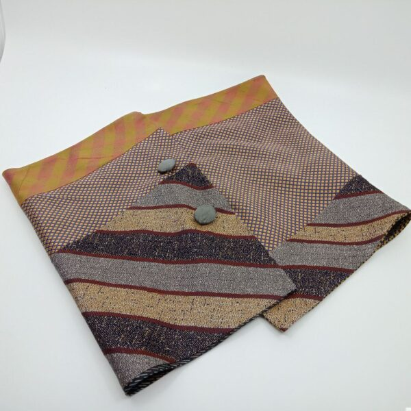 chic-silk-button-scarf-by-judith-scott-upcycling-by-judithscott