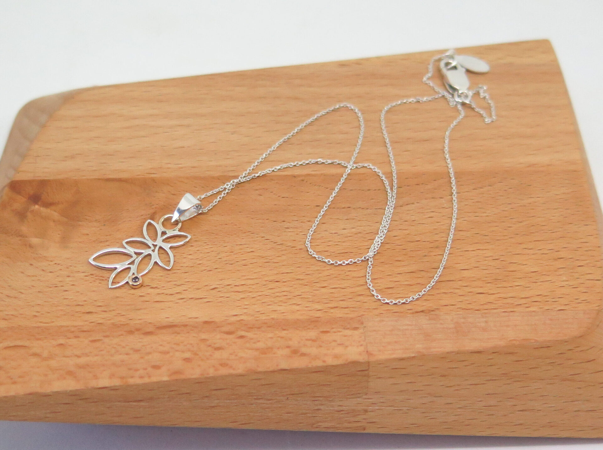 autumn-leaf-sterling-silver-necklace-by-Germano Arts