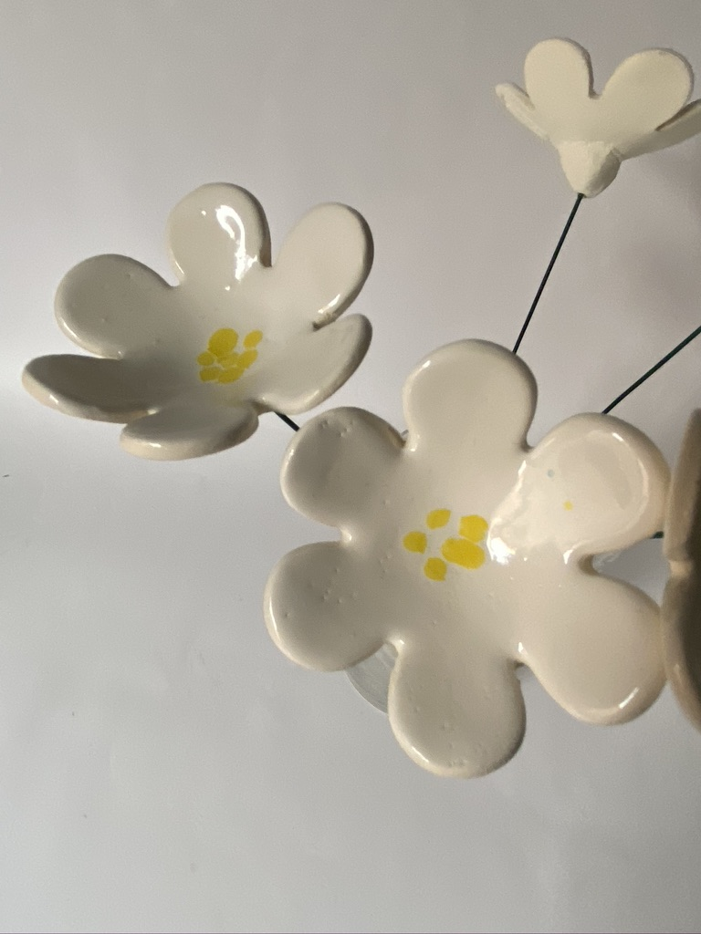 White Ceramic Daisies By Iggiruss Designs