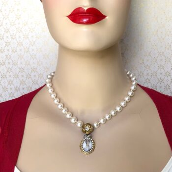 la-reine-reimagined-vintage-necklace-by-my-vintage-obsession-by-myvintageobsession2020