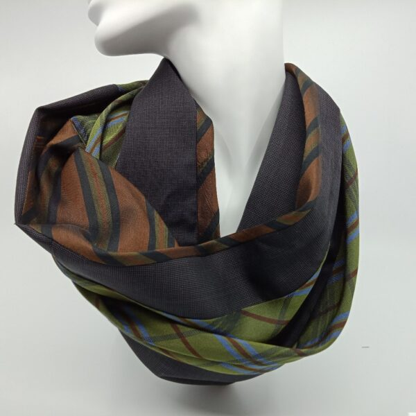 winter-green-and-brown-silk-and-wool-scarf-by-judith-scott-upcycling-by-judithscott