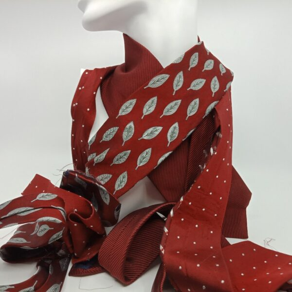 winter-red-silk-and-superfine-wool-scarf-by-judith-scott-upcycling-by-judithscott