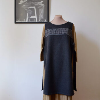 open-tunic-m-and-l-charcoal-by-a-pois-by-apois