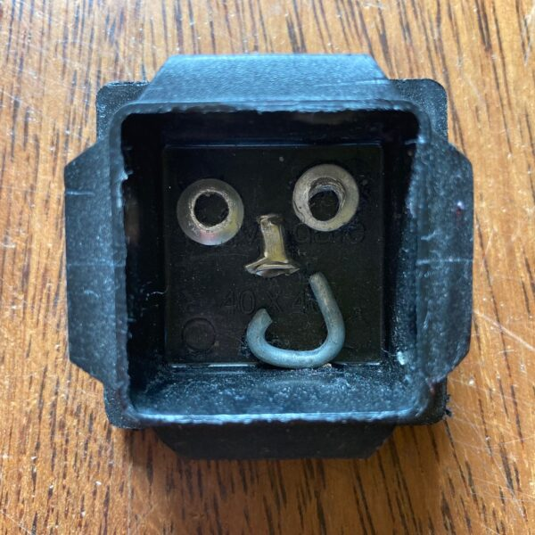 smile-handmade-brooch-by-nancydee-sculptures-by-nancylane