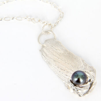 sterling-silver-cuttlebone-cast-with-black-freshwater-pearl-pendant-by-tlh-inspired-by-tlhinspired