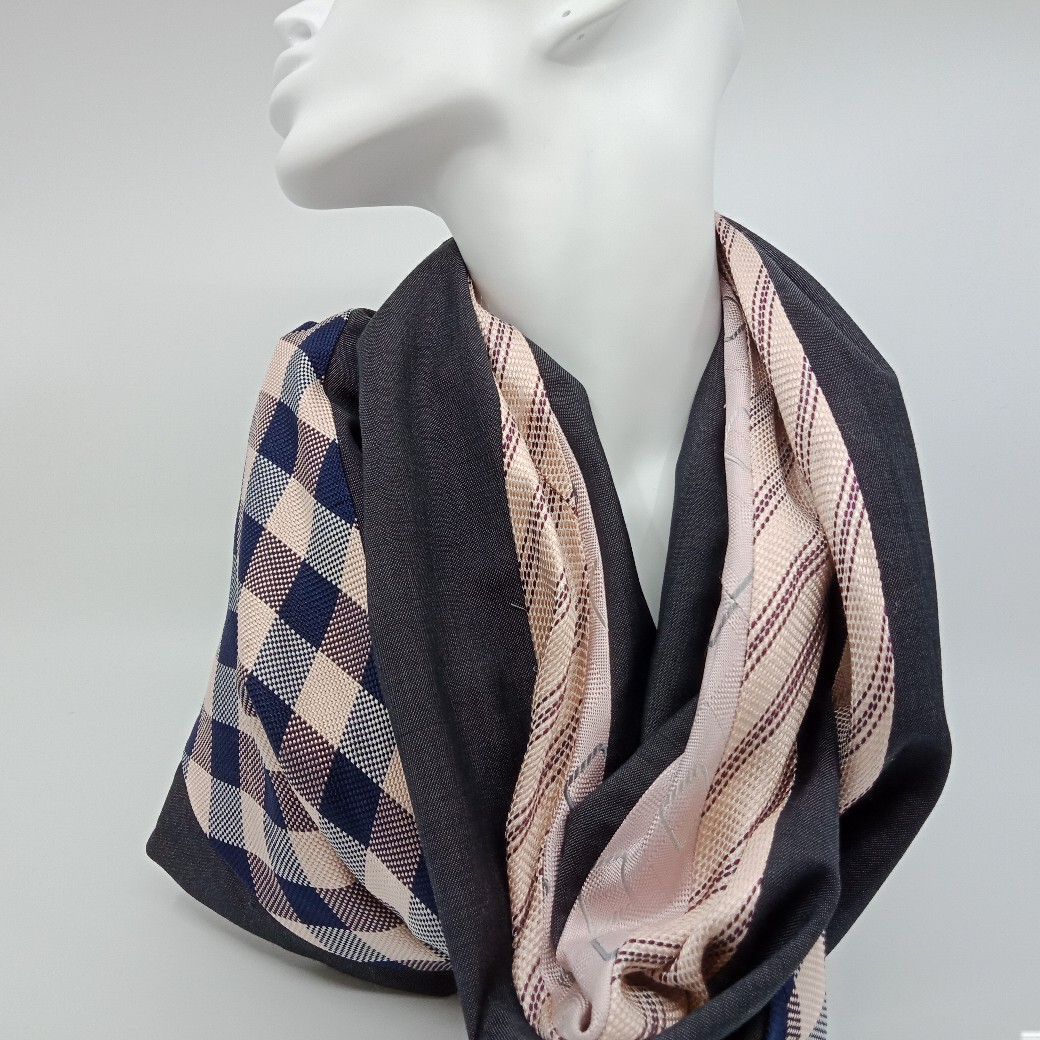 Chic Pink Silk And Grey Superfine Wool Scarf By Judith Scott Upcycling