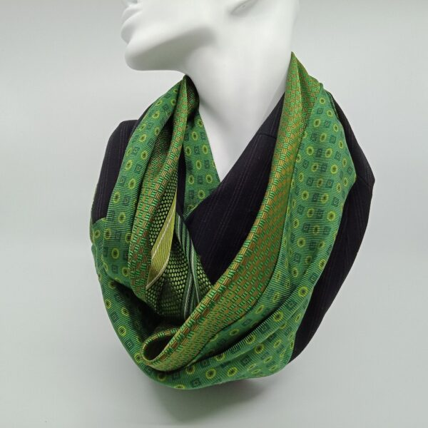 green-silk-and-grey-superfine-wool-scarf-by-judith-scott-upcycling-by-judithscott