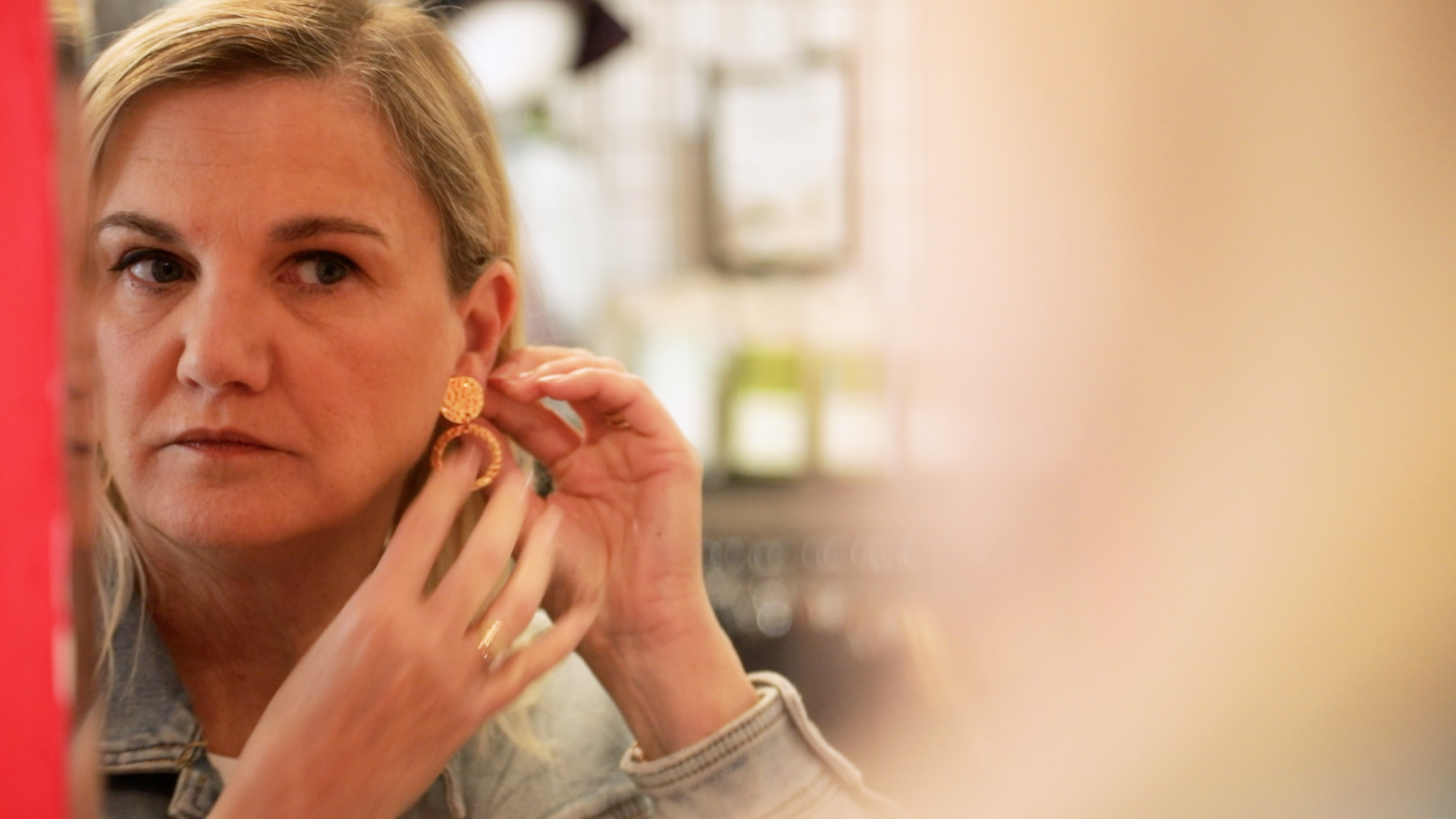 Meet the Artist: Julie Stephens - Jewellery Designer at in.cube8r who sells handmade jewellery in our Melbourne store