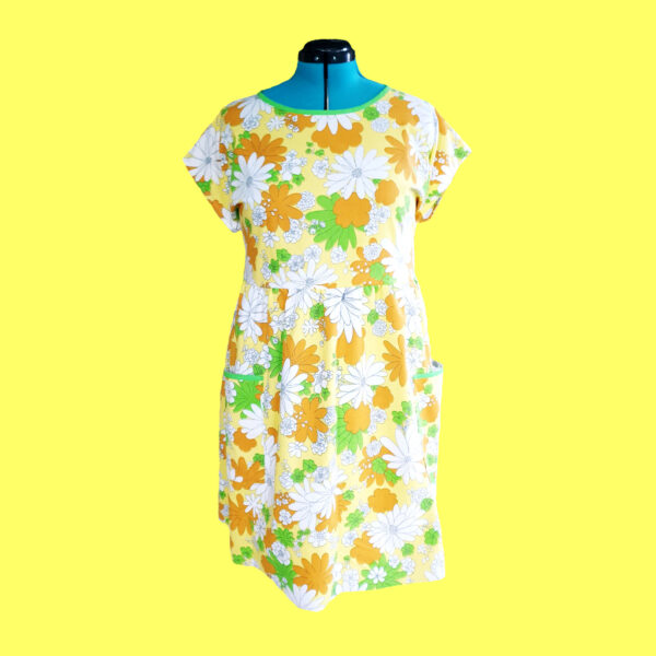 yellow-blossom-dress-size-18-vintage-fabric-smock-dress-by-evilruby Evilruby 820492