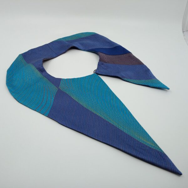 turquoise-and-blue-silk-detachable-collar-by-judith-scott-upcycling judithscott 309001