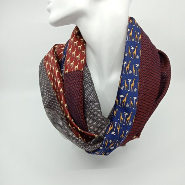mostly-maroon-silk-and-wool-scarf-by-judith-scott-upcycling judithscott 580648