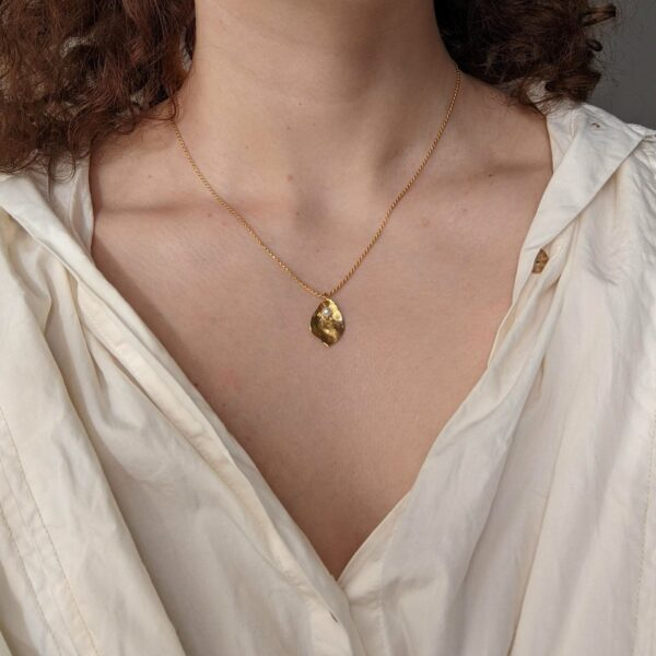 flourish-necklace-in-gold-vermeil-by-little-hangings littlehangings 507016