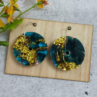 recycled-acrylic-earrings-discs-in-gold-and-pearl LouisevanderWerff 247988