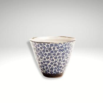 daisy-reusable-japanese-teacup-candle-in-byron-spa-scent-by-joybymarie-hello@joybymarie.com.au-082700